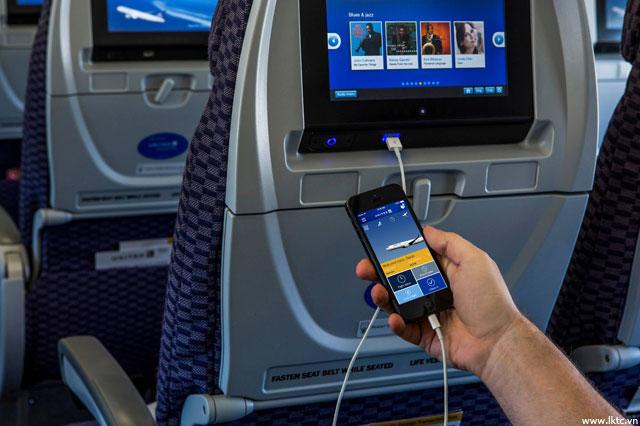 Kết quả hình ảnh cho phương tiện giải trí trên máy bay